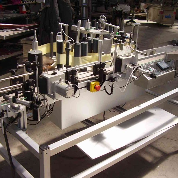 53014 - Etiquetadora adhesiva 3 puestos - 1800 bot./h segunda mano