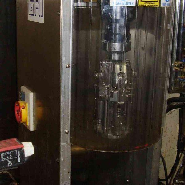 tapadora de rosca GAI semi automatica usada